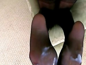 Eurobabe gives footjob before doggystyle pose